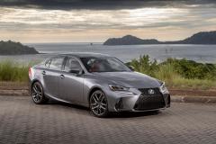 LEXUS MILESTONE COSTA RICA 20192019 Lexus IS 300 FSPORT_NebulaGrayPearl_Rioja Red21
