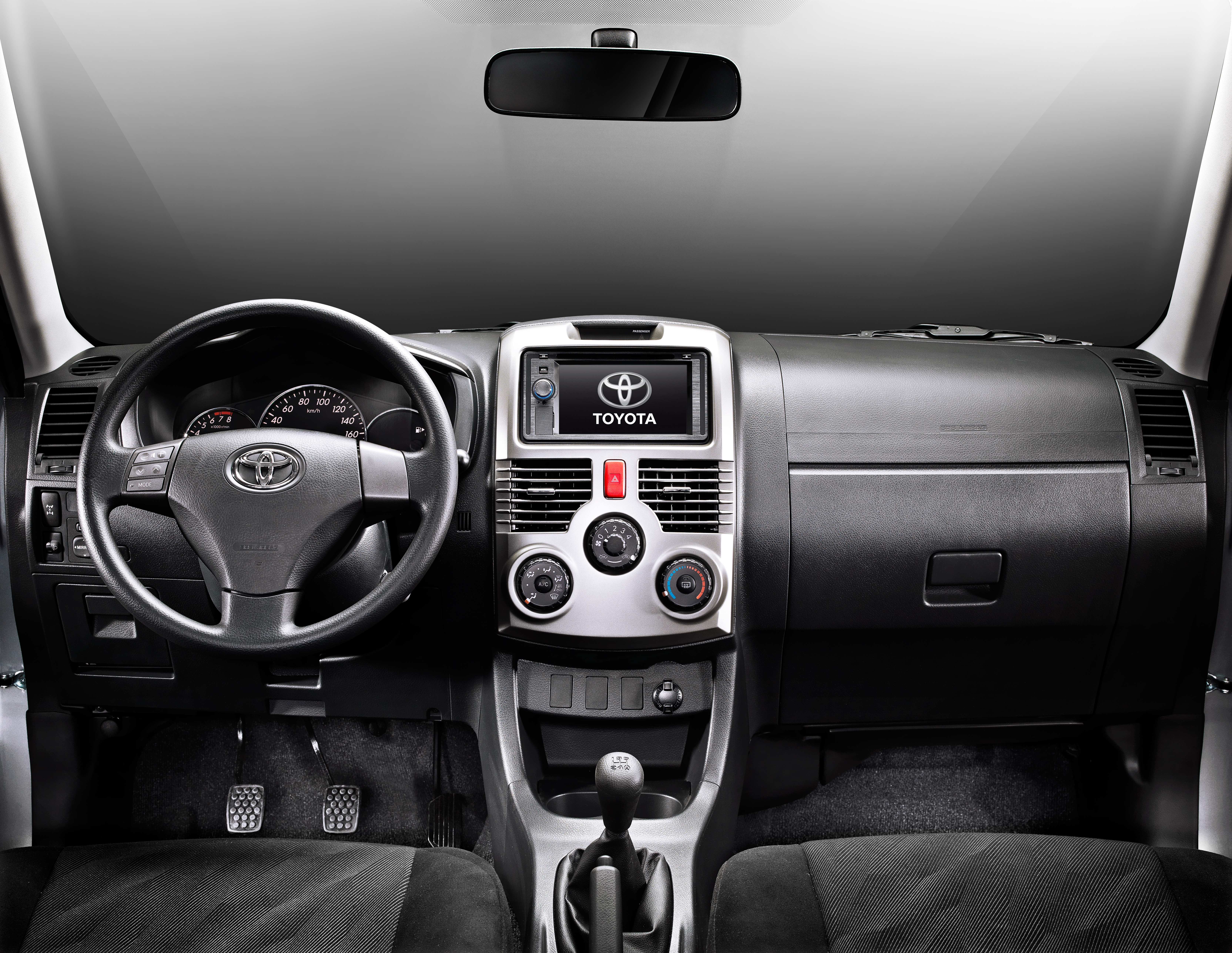 Toyota Rush (1)