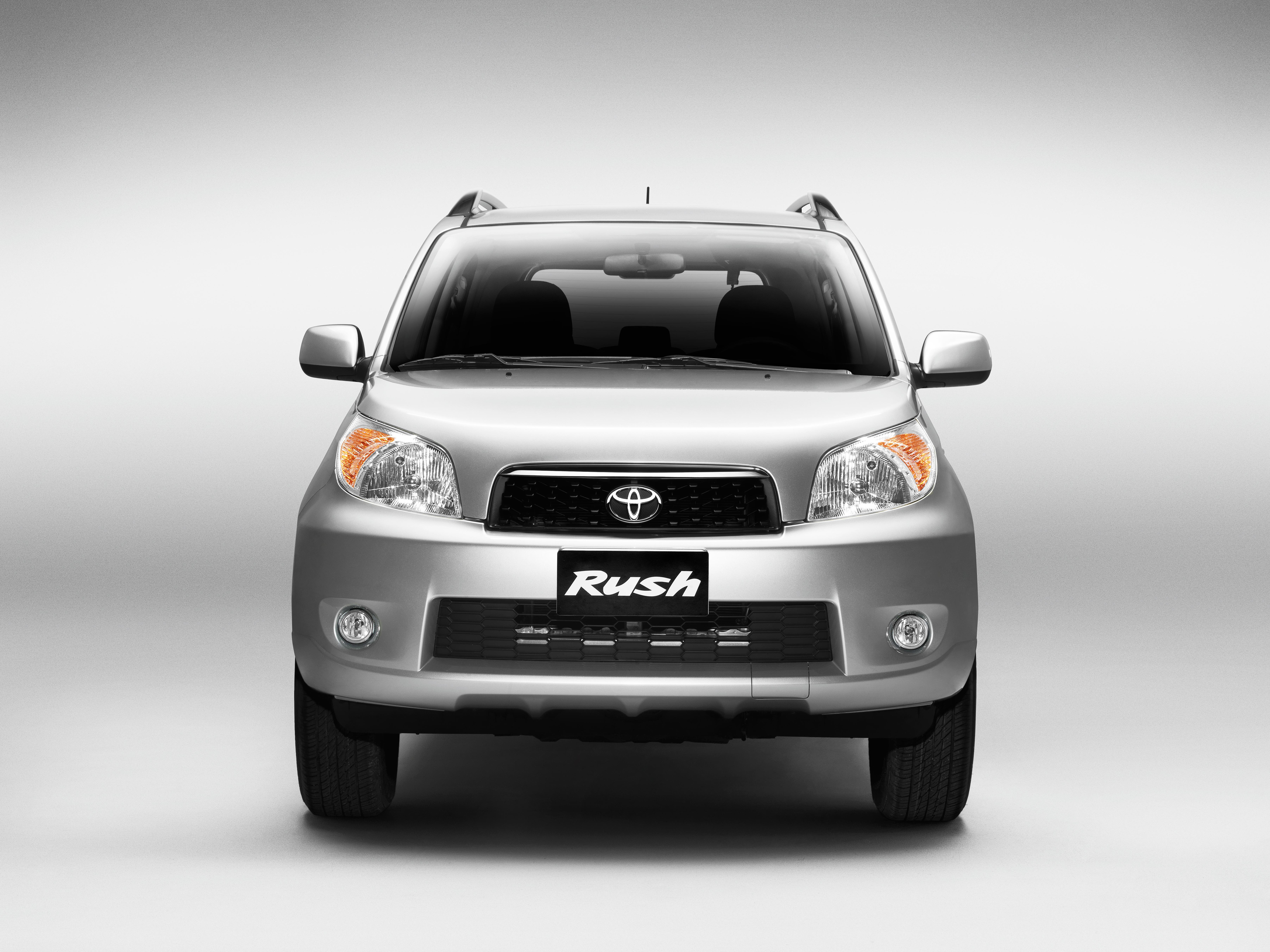 Toyota Rush (4)