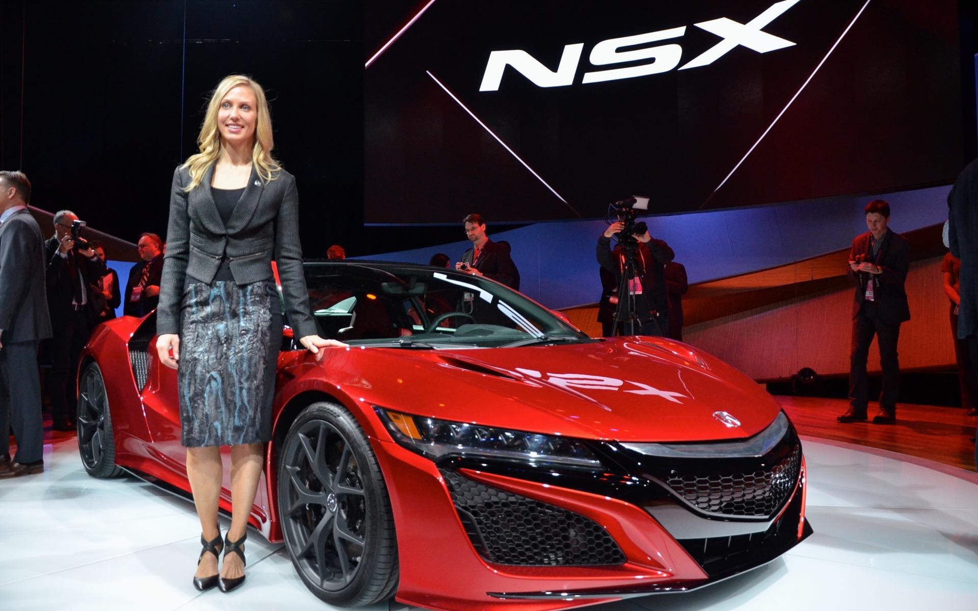¿Y por qué no? Las mujeres también diseñan super deportivos - Puro Motor